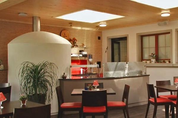 restaurant-005EBBB8851-DB65-1CA1-977E-BDEE9847122E.jpg