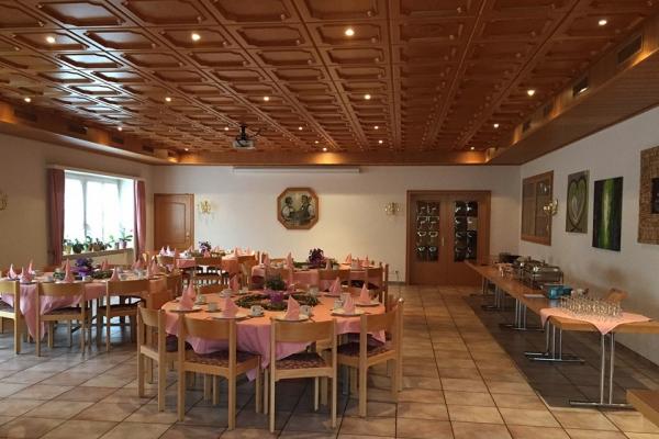 restaurant-008C444EFE9-D28C-9B49-3700-05A155690AE7.jpg