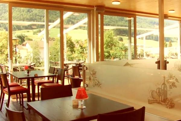 restaurant-01451E41B07-9128-55E7-B68A-5D4851ACFDD4.jpg